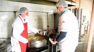 toplu tasima - Bitlis Belediyesi sıcak yemek servisiyle yaşlıların gönüllerine dokunuyor