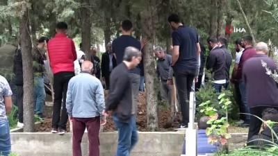 Raporda 'bulaşıcı hastalık' yazınca defnedilemeyen cenazenin başına gelenler şoke etti