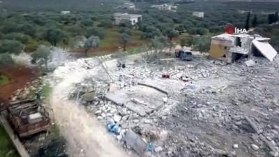 hava saldirisi -  - Rejim sivillere uykuda saldırdı - Suriye'deki hava saldırısında 17 sivilin hayatını kaybettiği tavuk çiftliği havadan görüntülendi