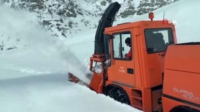 turizm sezonu -  Nemrut Dağı'nın kar nedeniyle kapanan yolu açılıyor