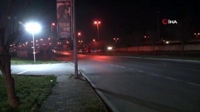 Başakşehir'de ilginç kaza: Otomobil kamyoneti böyle devirdi