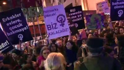 İzinsiz yürümek isteyen kadınlara müdahale