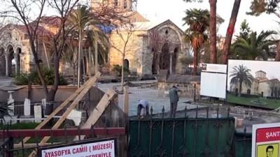 Ayasofya Camisi'nde restorasyon çalışmaları sürüyor