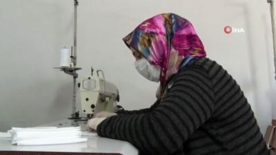 toplu tasima -  Gönüllü kadınlar maske üretmeye başladı