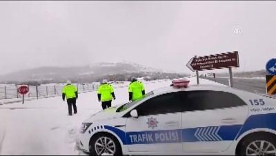 toplu tasima - Kar nedeniyle yolda kalan sürücülere 'Evde kal' uyarısı - ELAZIĞ
