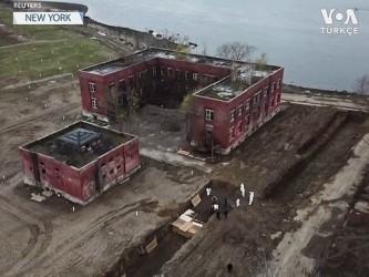 New York'ta Toplu Mezarlar Kazılıyor