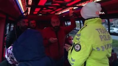 toplu tasima -  Sosyal mesafe kuralını hiçe saydılar: Minibüslerde şoke eden görüntü