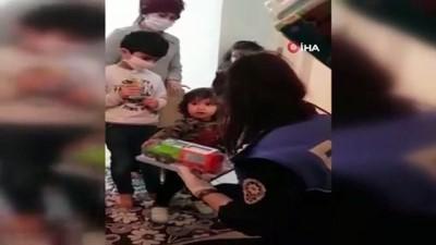 8 yaşındaki çocuk, 4 yaşındaki kardeşinin doğum günü için polisten pasta istedi
