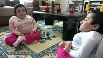 kitap okuma -  Cam kemik hastası ikizlerin 15. doğum günü kutlandı