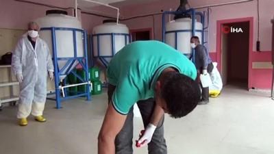 kimya -   Mardin'de kimya öğretmenleri ele ele verip yüzey dezenfektanı üretiyor
