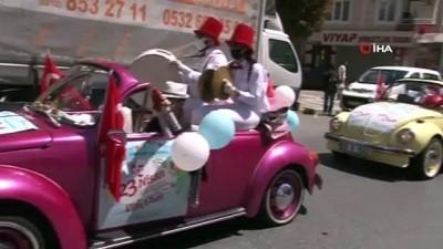 klasik otomobil -  Esenyurt'ta renkli 23 Nisan kutlaması