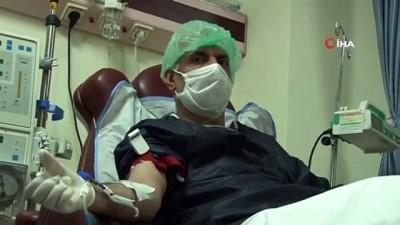 Korona virüsünü yendiler, hastalara umut oldular