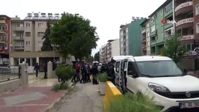 cinsel istismar -  Başkan Şenel'e silahlı saldırı düzenleyen şahıslar adliyeye sevk edildi