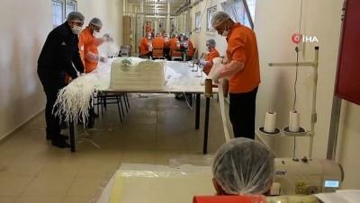 Kayseri Kapalı Cezaevinde günde 17 bin adet maske üretiliyor