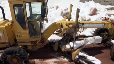 ilkbahar -  Antalya'da 5 mertelik karla mücadele çalışmaları