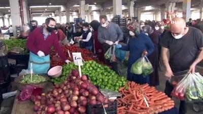 pazarci -  Korona virüs tedbirlerine rağmen pazarda ürünleri elleriyle seçtiler