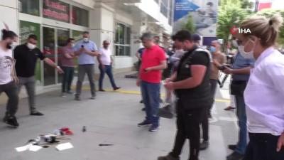 Malatyalı kuaför ve güzellik salonlarından tepki...Sağlık Müdürlüğü önünde protesto yaptılar