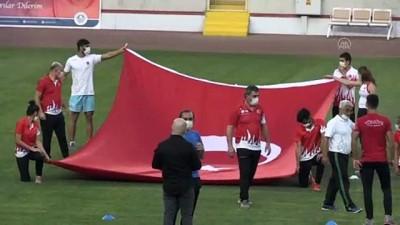milli sporcular - 19 Mayıs Atatürk'ü Anma, Gençlik ve Spor Bayramı kutlanıyor - MERSİN
