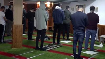 kamu calisanlari - Danimarka'da camiler yeniden ibadete açıldı