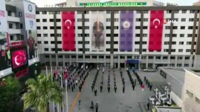 İstanbul Emniyeti saat 19.19'da sosyal mesafeli İstiklal Marşı'nı okudu