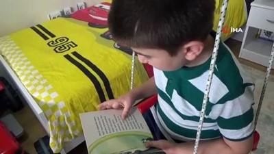 kitap okuma -  Evlerinde okudukları her bir kitap için AFAD'a para bağışlıyorlar