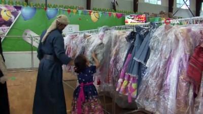 yardim kampanyasi -  - Yemen'de çocukların yüzü kıyafet bağışlarıyla güldü
