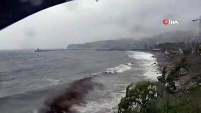 yagisli hava -   Zonguldak'ta şiddetli fırtına etkili oldu