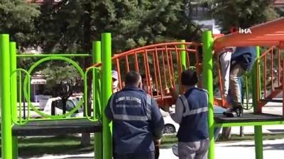 Mamak Belediyesi parkları yaza hazırlıyor