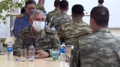 bassagligi - Akar ve komutanlar ramazanın son iftarını sınır hattında komandolarla yaptı - HATAY