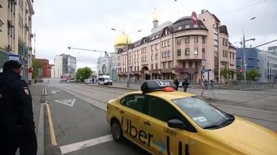 Rusya'da bayram namazı sınırlı cemaat ile eda edildi - MOSKOVA