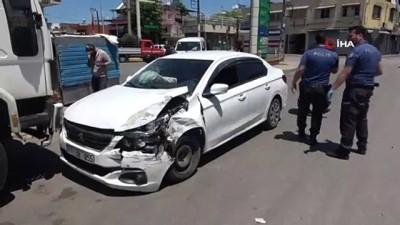 para cezasi -  Polis aracına çarpan uyuşturucu tacirleri kaçamadı...O anlar kamerada