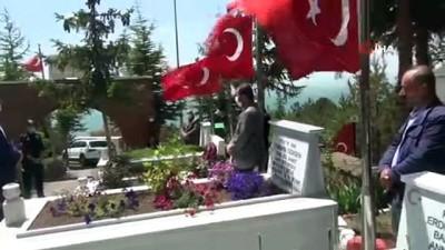 hain saldiri -  Şehit Murat Sarıgül, şehadetinin 4'üncü yılında kabri başında anıldı