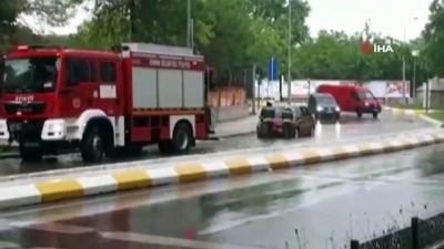 saganak yagis -  Edirne'de şiddetli yağış...Yağmur suları caddeleri göle çevirdi, araçlar yolda kaldı