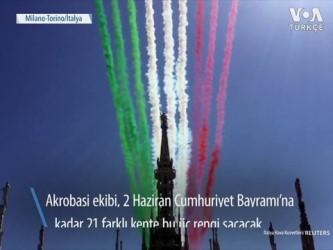 italyan - Gökyüzünde İtalyan Bayrağı Gösterisi