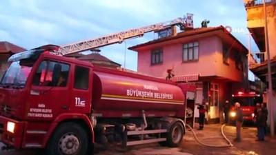 İlçe merkezindeki boş işyeri yangını korkuttu