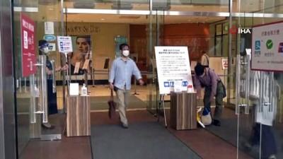 ingilizce -  - Japonya'da OHAL sona erdi, hayat normale dönüyor - İlk günde korkulan olmadı