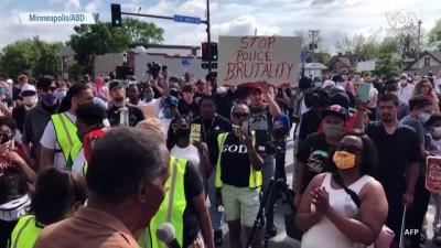 ABD'de Siyah Bir Şüpheli Polis Şiddetine Kurban Gitti