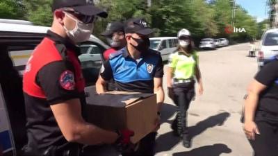 gida yardimi -  Polisten ihtiyaç sahibi ailelere gıda yardımı