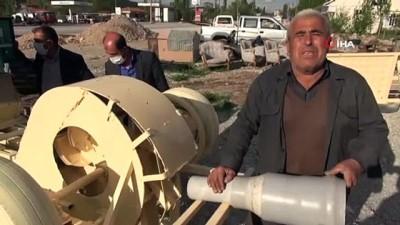 65 yaş sınırına takılıp evde kaldı, topladığı hurda malzemelerde elektrik üretti