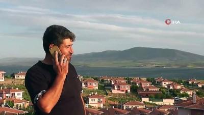 ders calis -  Bu köyde su için çeşmeye, telefonla görüşmek için tepelere çıkıyorlar