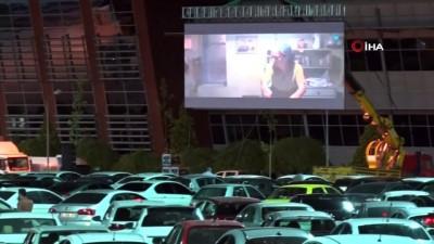 Konya'da arabalı sinema etkinliğine rekor katılım