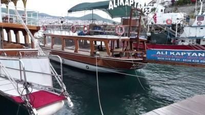 Ticari yatlar ve gezi tekneleri 1 Haziran'da faaliyetlerine yeniden başlayacak
