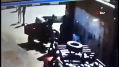 kamera -  - Mısır'da bıçaklı saldırı: 3 ölü