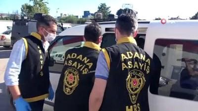 polis imdat -  Otostop yaptıkları aracı gasp ettiler