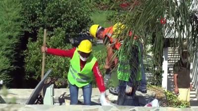 Yılmaz Özdil villasının kaçak bölümlerini kendi yıktırıyor