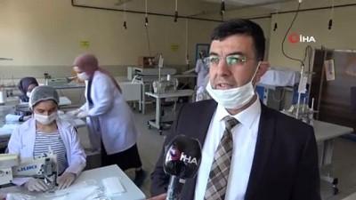 okul muduru -  Bu okulda hem maske hem de dezenfektan üretiliyor