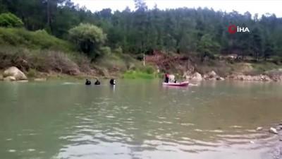Derede boğulan kuzenlerin cansız bedenlerine balık adamlar ulaştı