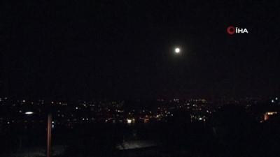 İstanbul'da yılın son Süper Ay'ı kartpostallık görüntüler oluşturdu