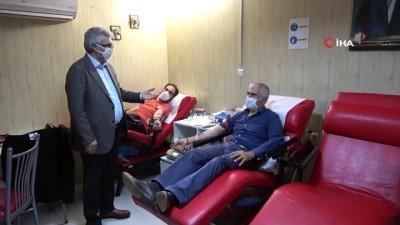 Vatandaşlar konser eşliğinde Kızılay'a kan bağışında bulundu