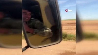 - Türk askerinden Suriyeli çocuklara çikolata sürprizi